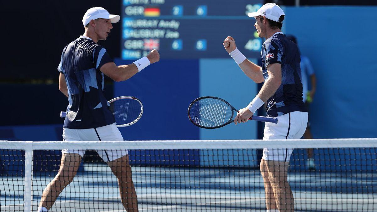 Andy Murray (re.) führte das britische Doppel zum Sieg.