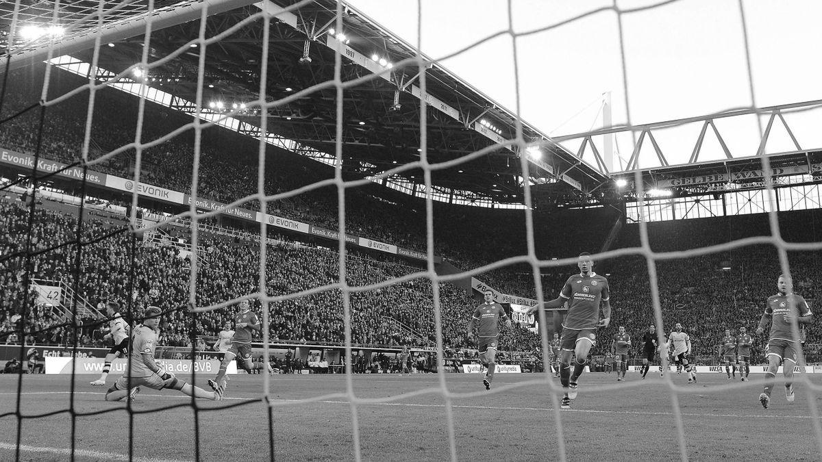 Ein Fan stirbt in Dortmund, das Spiel rückt in den Hintergrund