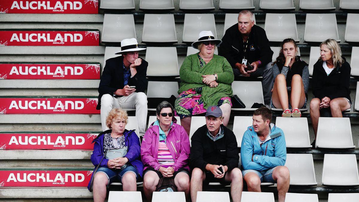Rain delays play again in Auckland