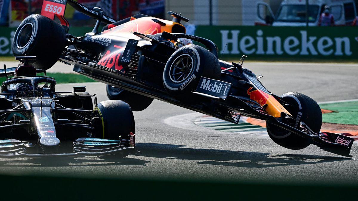 Hamilton et Verstappen l'un sur l'autre lors de l'accrochage qui les a vus abandonner à Monza