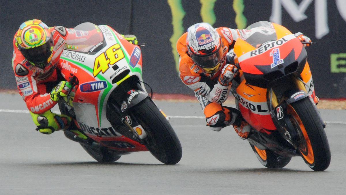 Fuhren jahrelang an der Spitze der MotoGP gegeneinander: Valentino Rossi (links) und Casey Stoner