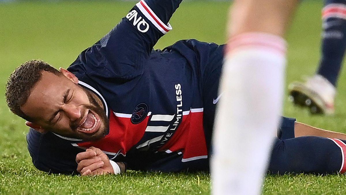 Neymar suffered the injury against Lyon