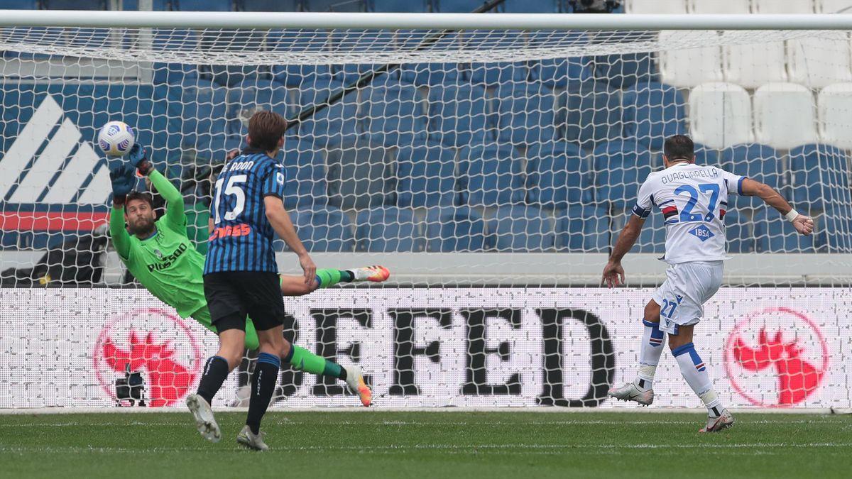 Sportiello para il rigore di Quagliarella in Atalanta-Sampdoria