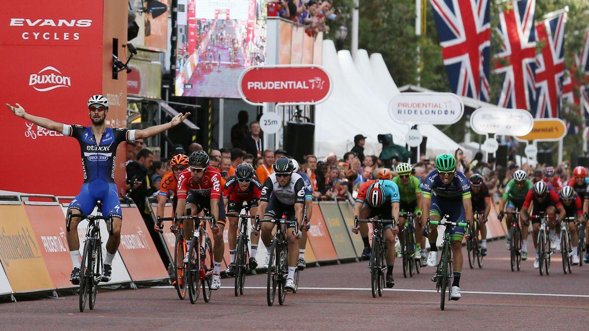 Tom Boonen (far left) wins the Ride London - Surrey Classic