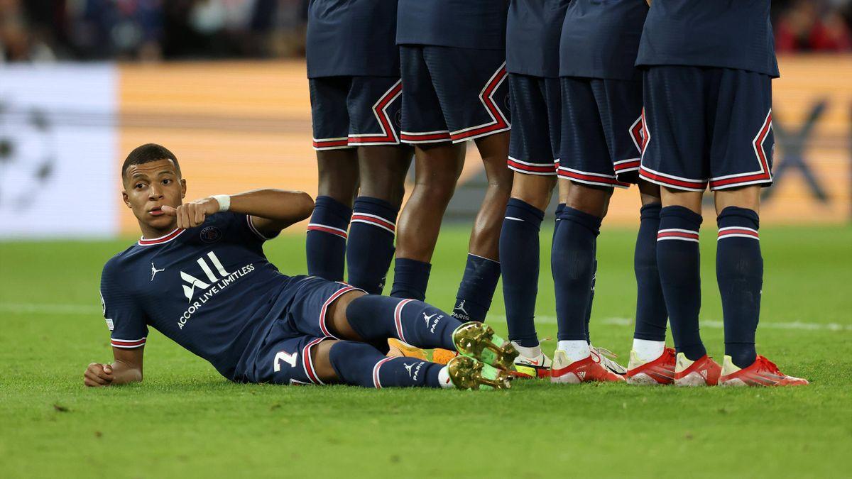 Kylian Mbappé sous le mur parisien face à Manchester City