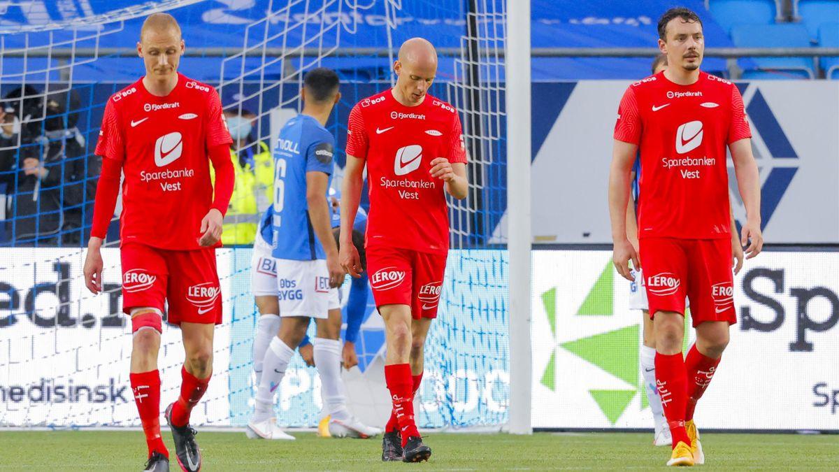 Kristoffer Barmen (venstre) og Vegard Forren (høyre) var blant spillerne som festet på stadion natt til tirsdag.
