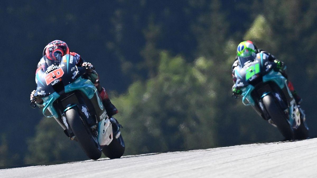 Fabio Quartararo devant Franco Morbidelli (Yamaha Petronas SRT) lors des essais libres du Grand Prix de Styrie, le 21 août 2020