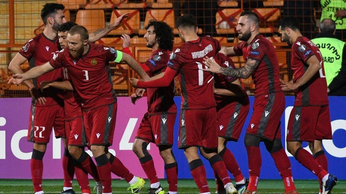 Armenien jubelt nach Sieg über Rumänien