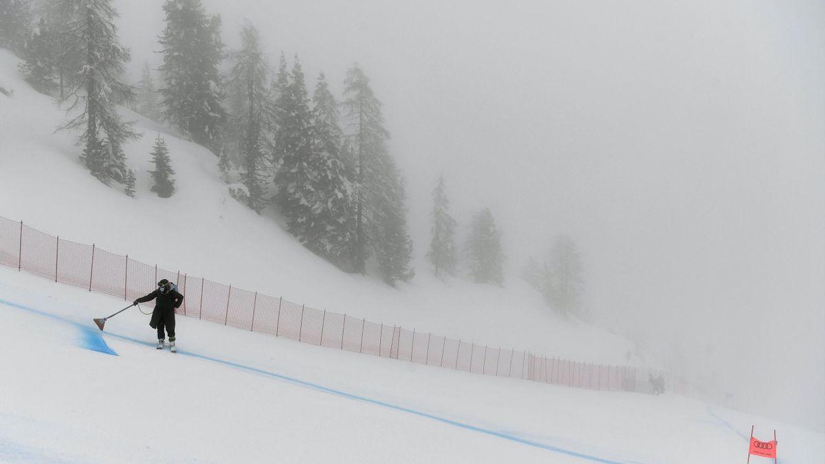 Abfahrt wegen Nebel und Schnee abgesagt