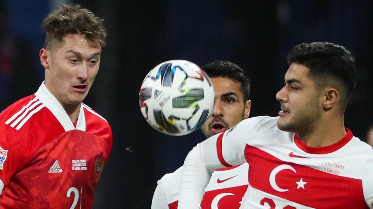 Антон Миранчук в матче сборной России против сборной Турции в Лиге наций