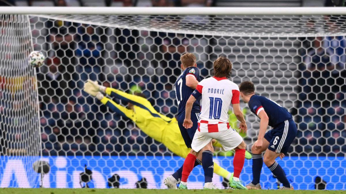 Kroatiens Luka Modric trifft zum vorentscheidenden 2:1 gegen Schottland