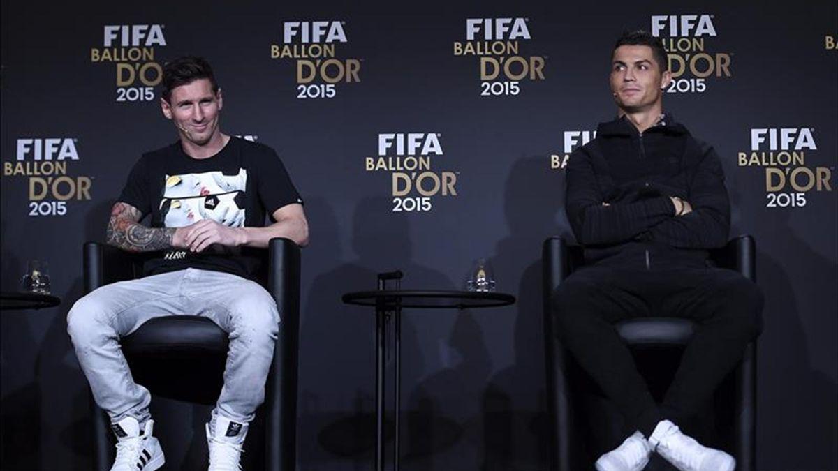 Leo Messi y Cristiano Ronaldo en la rueda de prensa previa al Balón de Oro