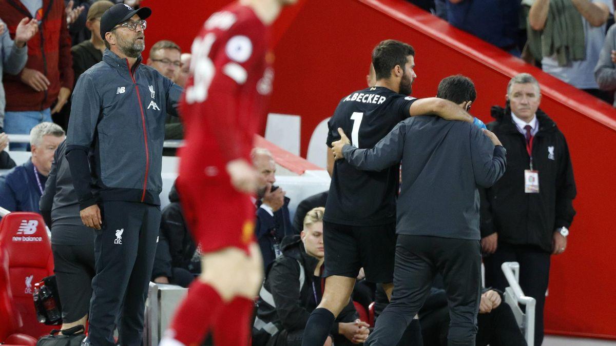 Jürgen Klopp und Alisson Becker vom FC Liverpool