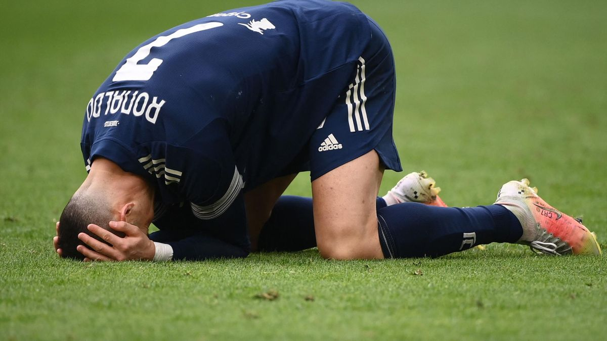 Juventus' Portuguese forward Cristiano Ronaldo reacts during the Italian Serie A football match Juventus Turin vs Benevento