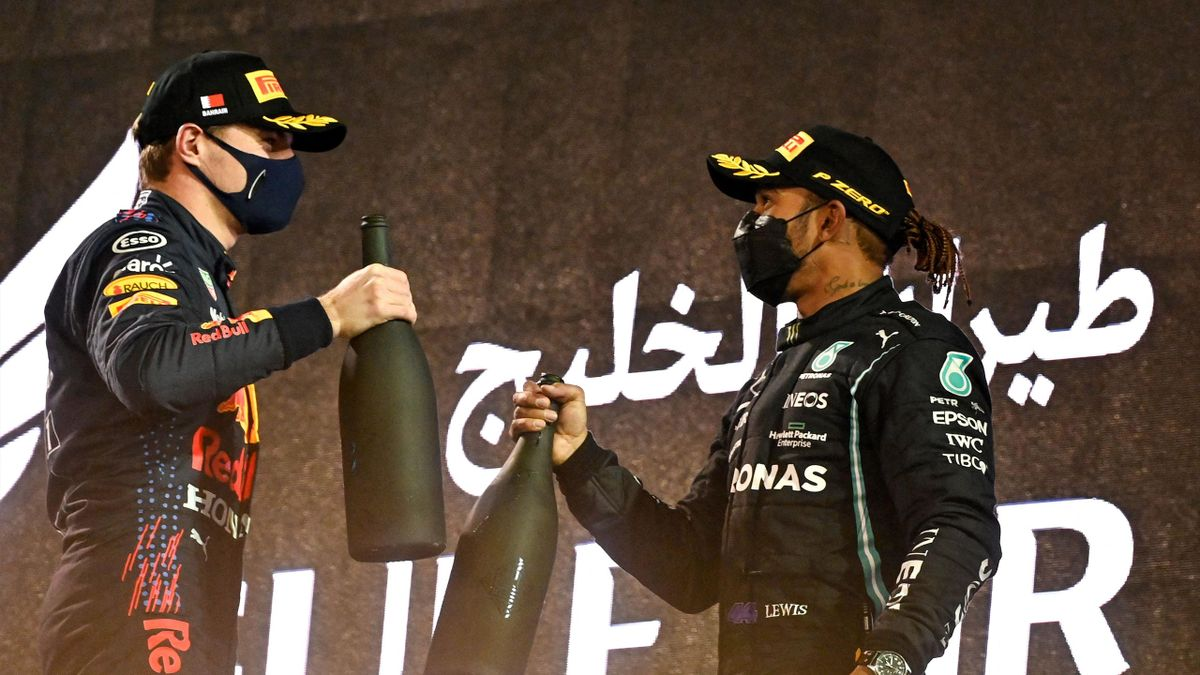 Max Verstappen (links) und Lewis Hamilton müssen nach F1-Boss Stefano Domenicali keine Gehaltseinbußen befürchten