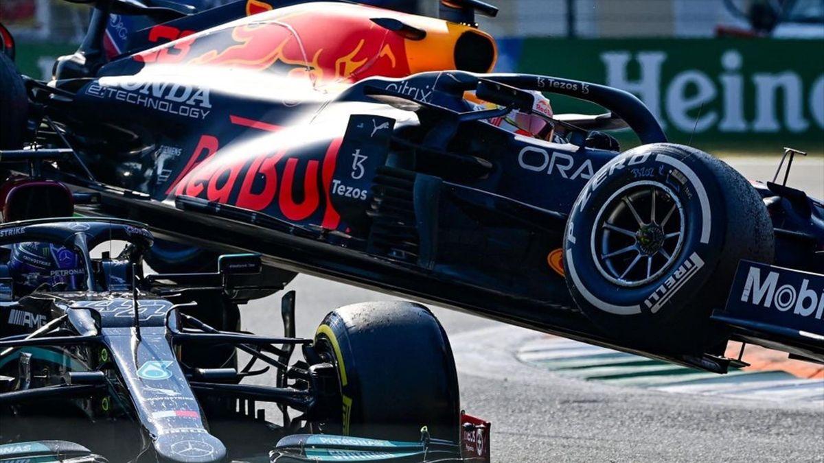 Max Verstappen (Red Bull) et Lewis Hamilton (Mercedes) au Grand Prix d'Italie 2021