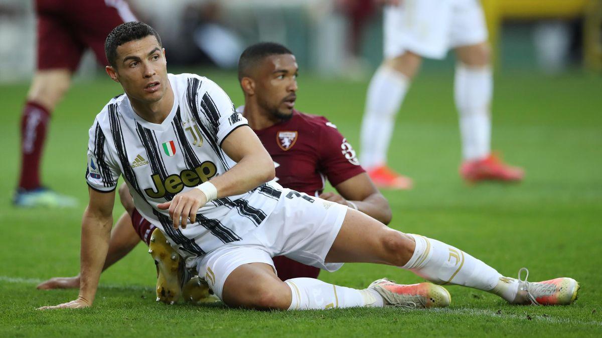 Cristiano Ronaldo (vorne) und Juventus patzten im Turiner Derby beim FC Turin