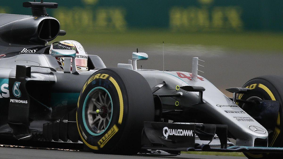 Lewis Hamilton (Mercedes) lors de la qualification du Grand Prix de Grande-Bretagne 2016