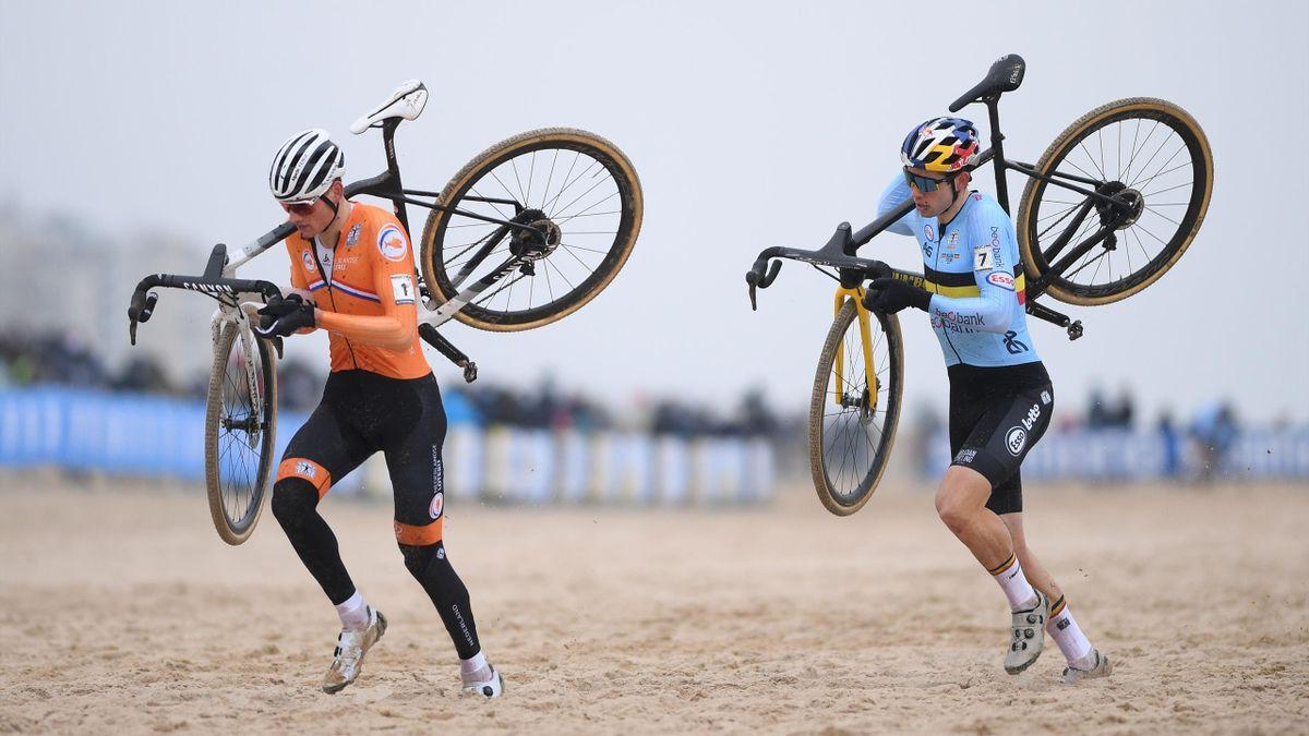 Mathieu Van der Poel y Wout Van Aert, pedaleando sobre el agua en el Mundial de ciclocross de Ostende