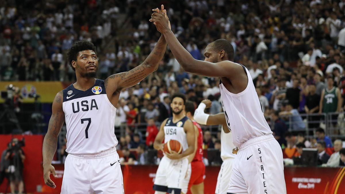 Marcus Smart et Khris Middleton (Team USA)