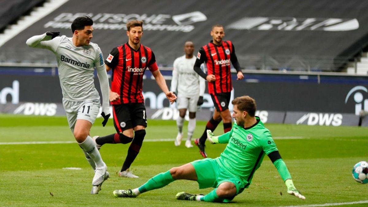 Nadiem Amiri bringt Leverkusen in Frankfurt in Führung