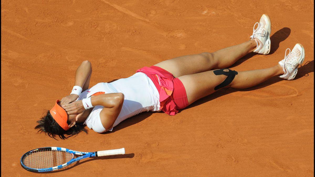 Li Na vlak na het winnen van matchpoint in de Roland Garrosfinale van 2011