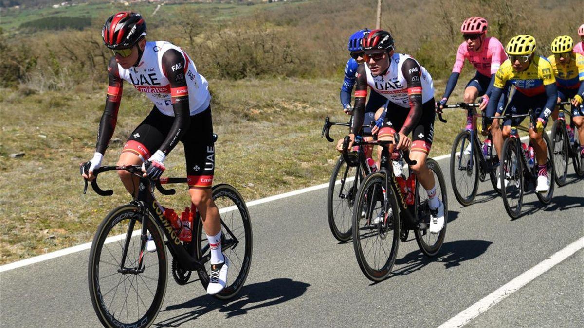 Hirschi e Pogacar durante una tappa del Giro dei Paesi Baschi 2021 - Getty Images