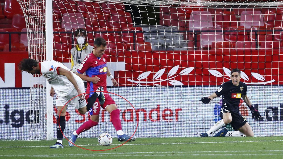 Il gol di tacco di Franco Vazquez