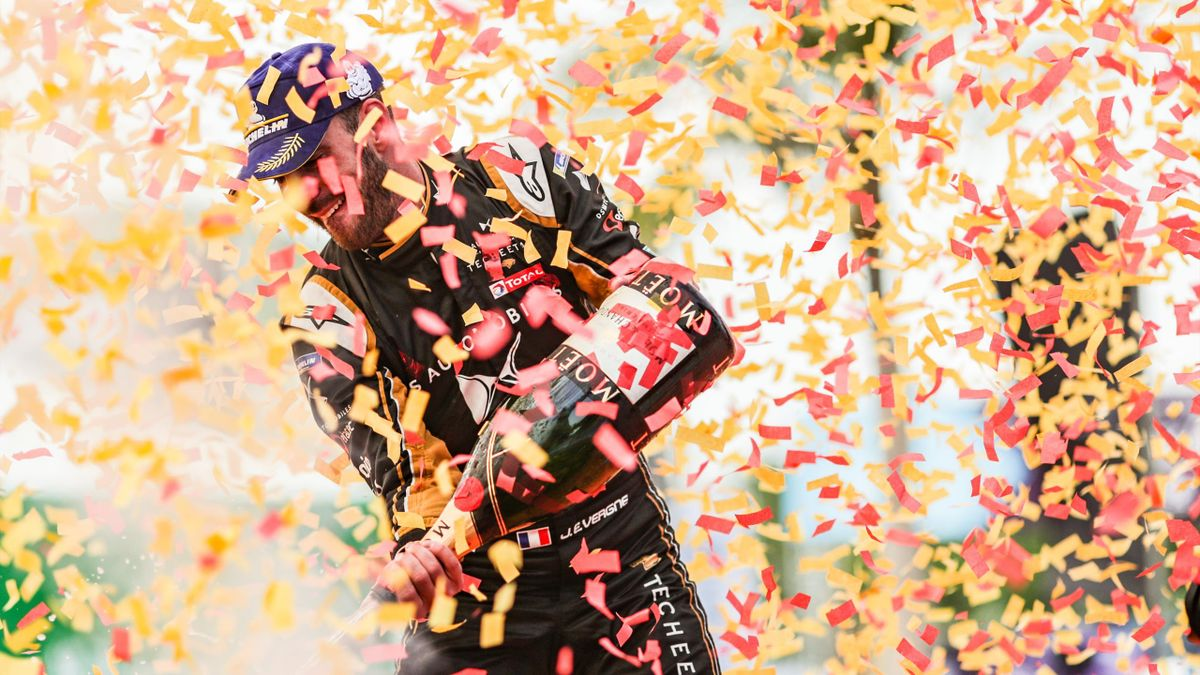 Jean-Eric Vergne (FRA), DS TECHEETAH, DS E-Tense FE19, celebrates on the podium during the Formula-E Race on March 22, 2019 in Hainan
