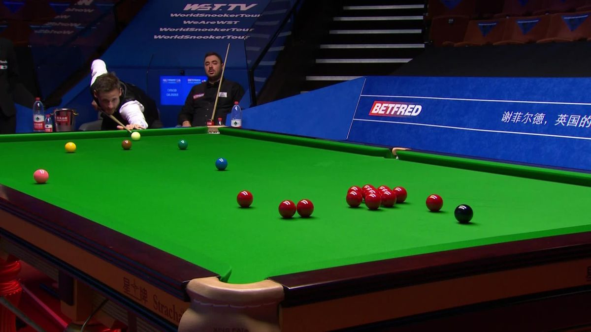 World Snooker Championship: 'Extraordinary' fluke from David Gilbert