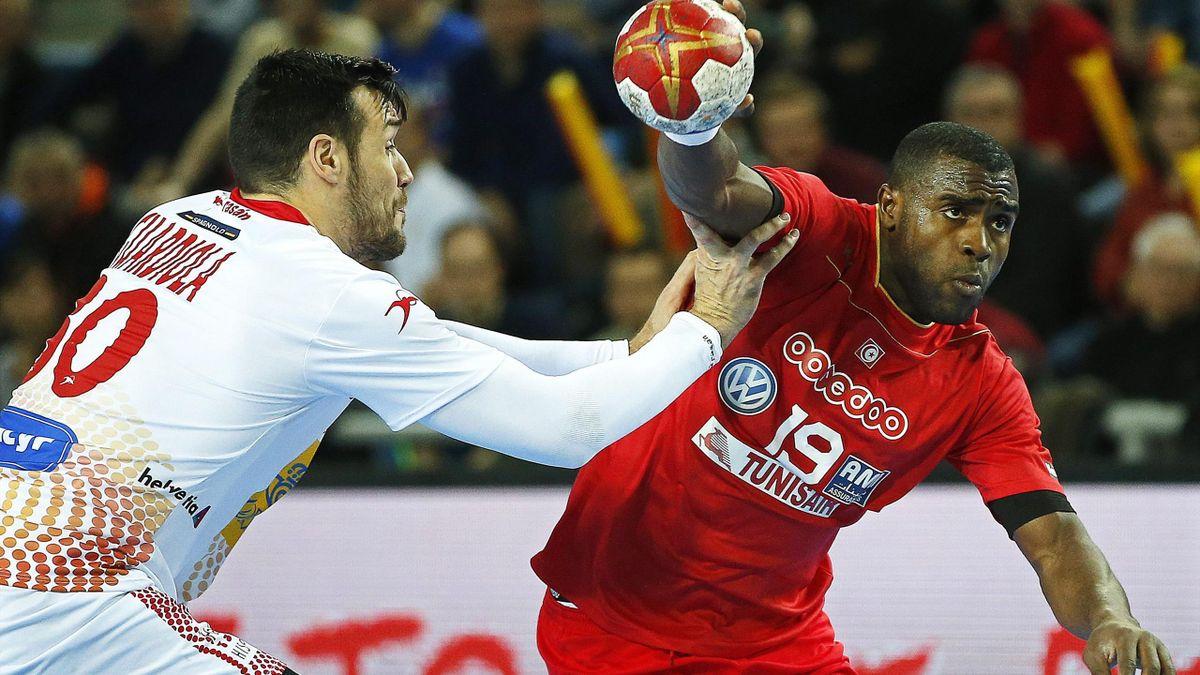 Gedeon Guardiola y Mosbah Sanai en el Túnez-España, Mundial de Balonmano 2017