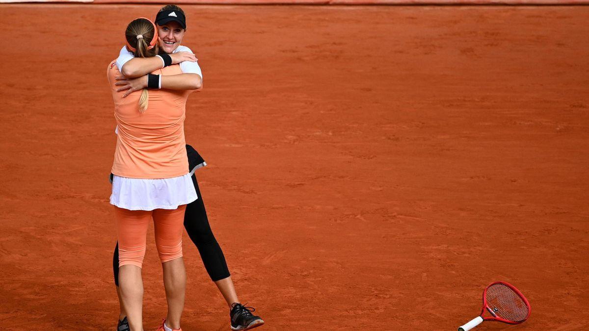 Timea Babos (l.) und Kristina Mladenovic (r.) verteidigen den Titel bei den French Open