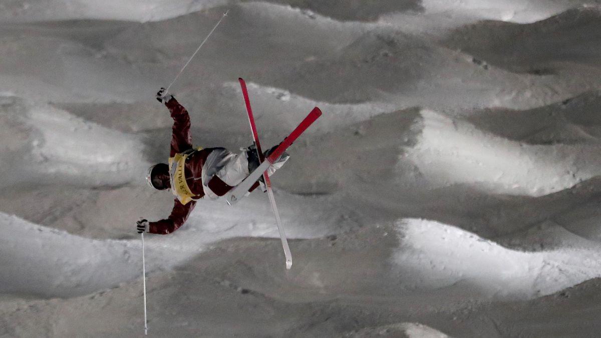 Mikaël Kingsbury in actie tijdens de wereldbekerwedstrijd in Deer Valley (Januari 2018)