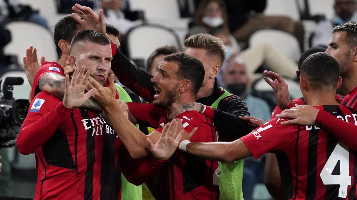 AC Milan celebrate Ante Rebic's goal, Juventus vs AC Milan, Serie A, Allianz Stadium, Turin, Italy September 19, 2021
