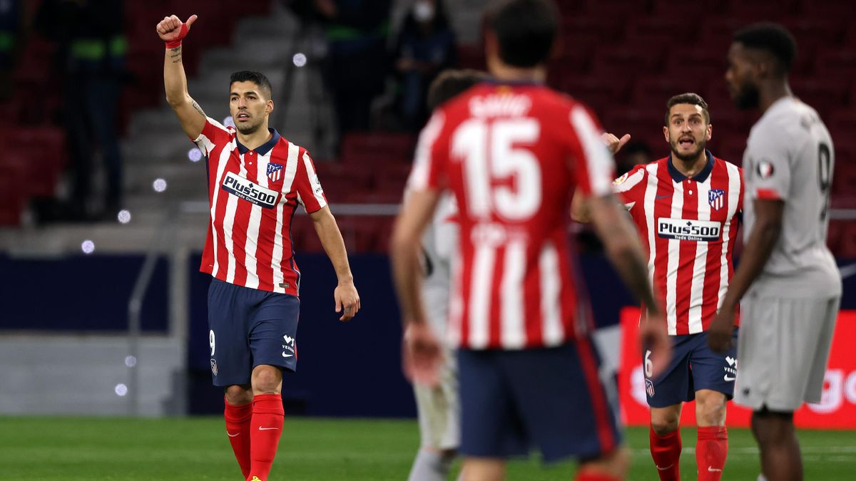 Luis Suárez (l.) trifft für Atlético Madrid