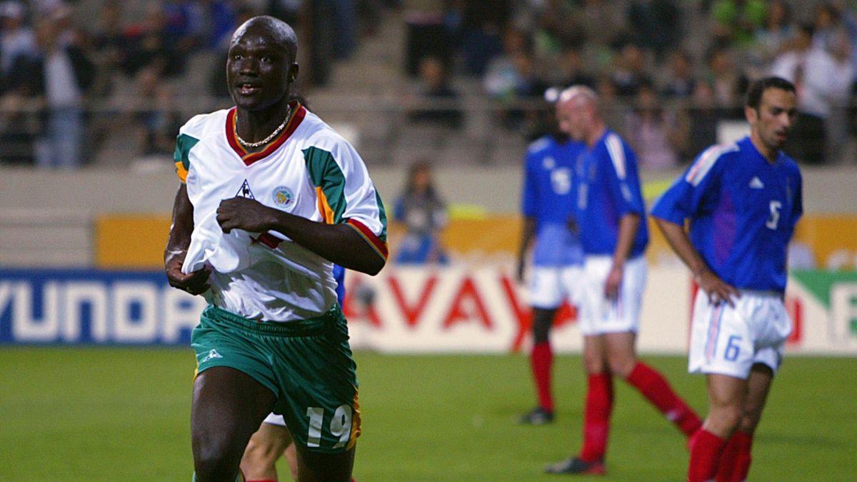 Papa Bouba Diop, buteur pour le Sénégal face aux Bleus en 2002