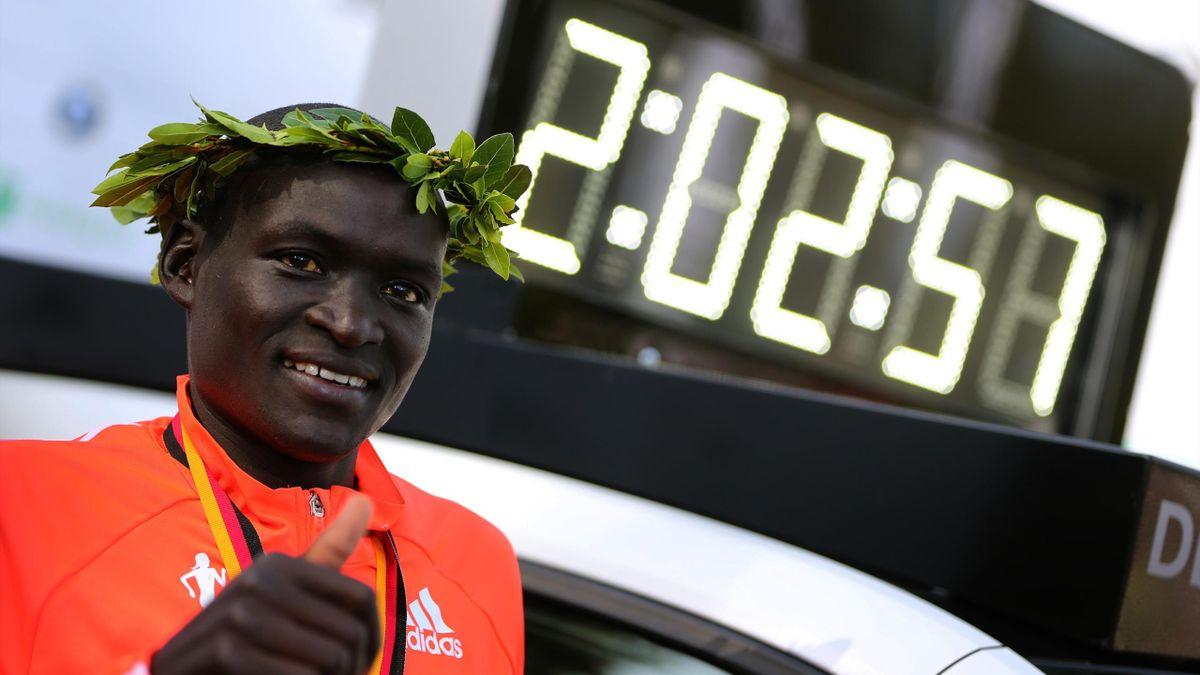 Деннис Киметто выиграл Берлинский марафон с мировым рекордом