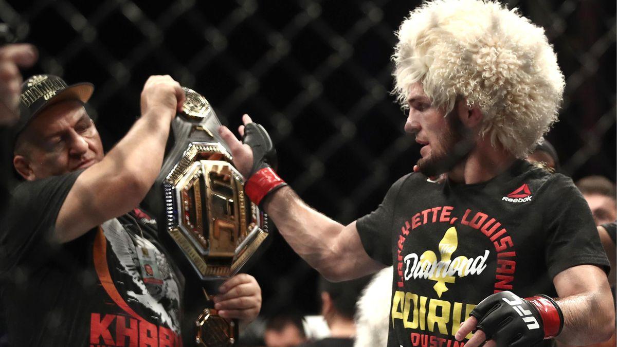 Абдулманап Нурмагомедов и Хабиб после победы над Дастином Порье на UFC 242