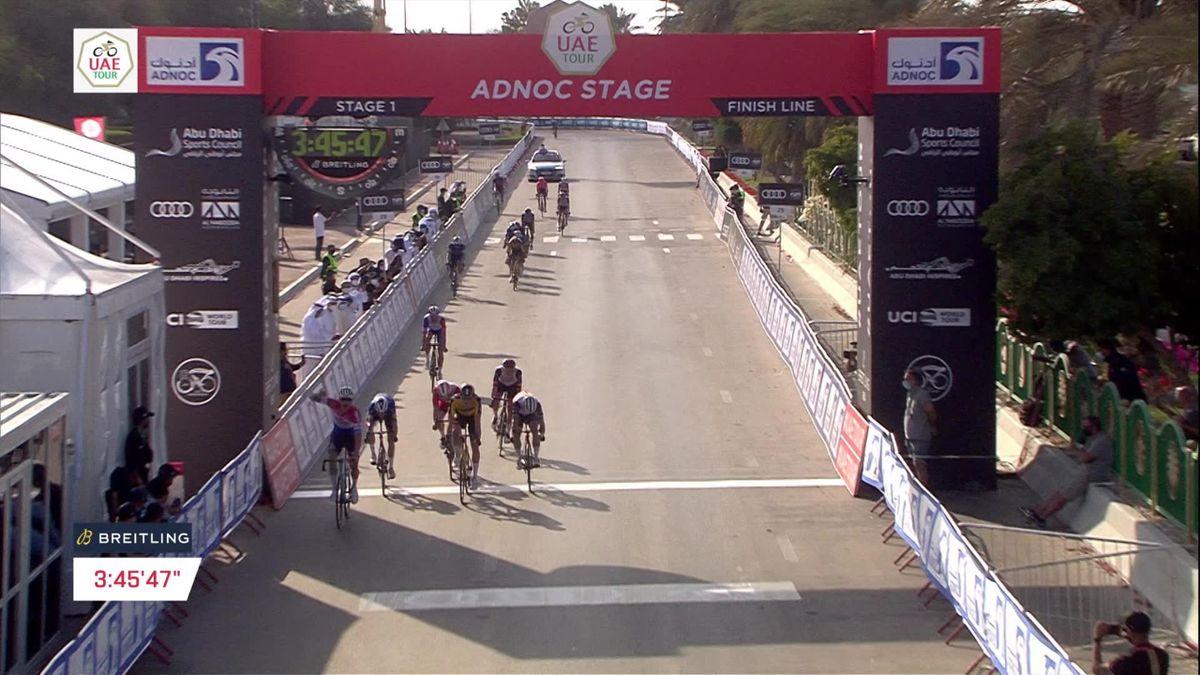 Cyclo-cross ou route, van der Poel reste le plus fort : son succès en vidéo