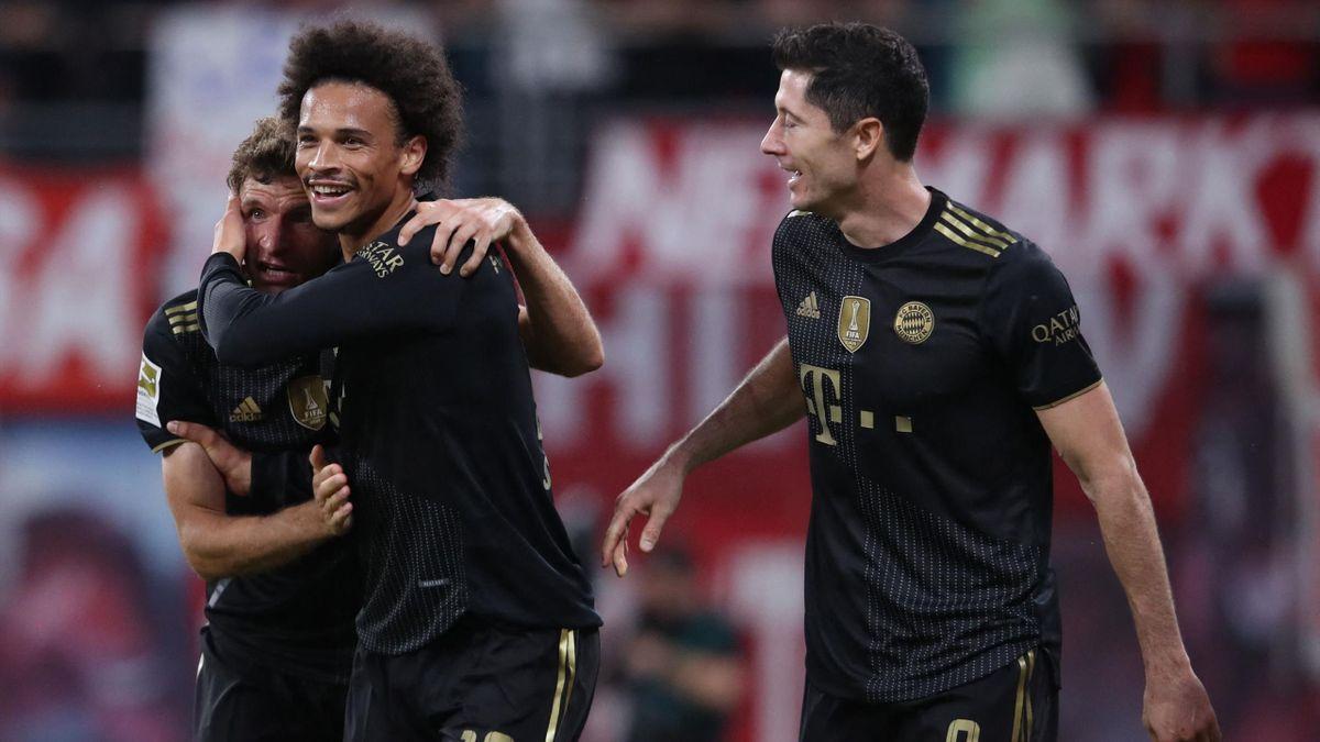 Thomas Müller, Leroy Sané and Robert Lewandowski (from left to right) - FC Bayern München