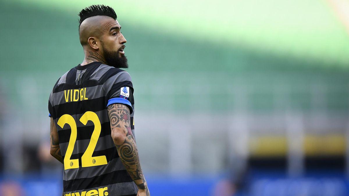 Inter, Vidal si opera al ginocchio sinistro