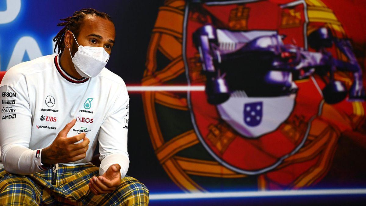 Lewis Hamilton bei der Pressekonferenz vor dem Großen Preis von Portugal