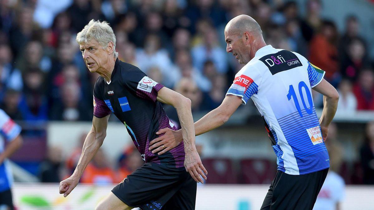 Arsene Wenger takes on Zinedine Zidane in the chartiy match