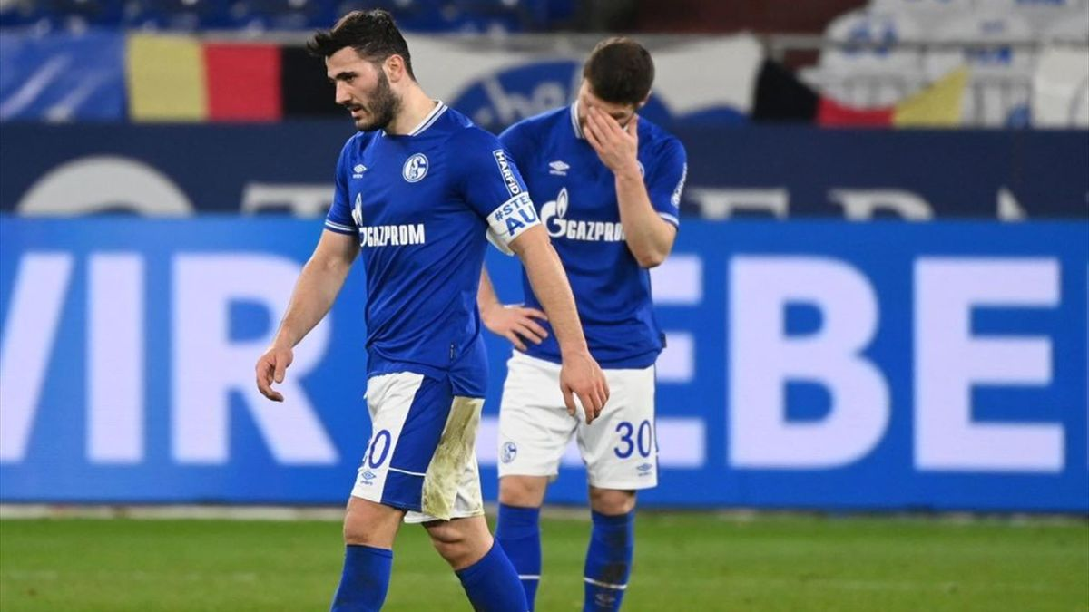 Enttäuschtes Schalke 04 nach der Niederlage gegen Borussia Mönchengladbach