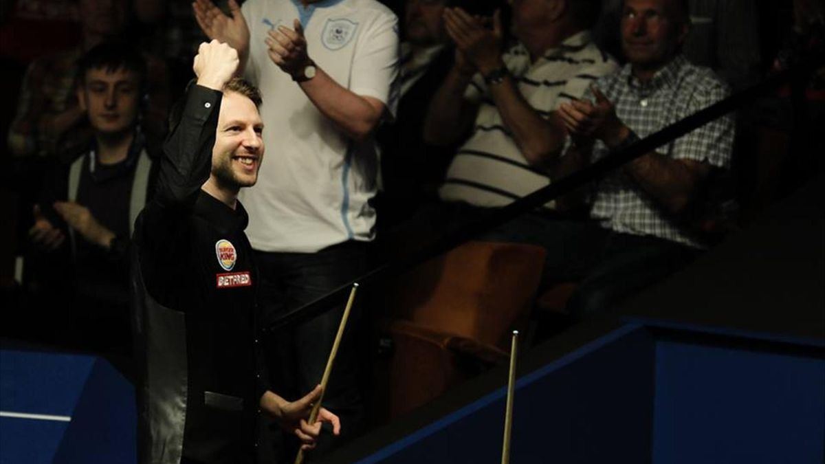 Judd Trump completed a stirring 10-8 win over Liang Wenbo.