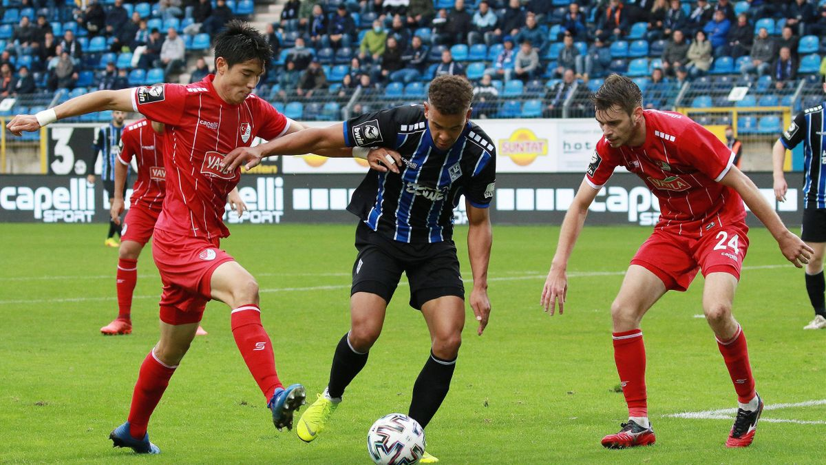 Türkgücüs Yi-Young Park (links) wurde im Spiel bei Waldhof Mannheim rassistisch beleidigt