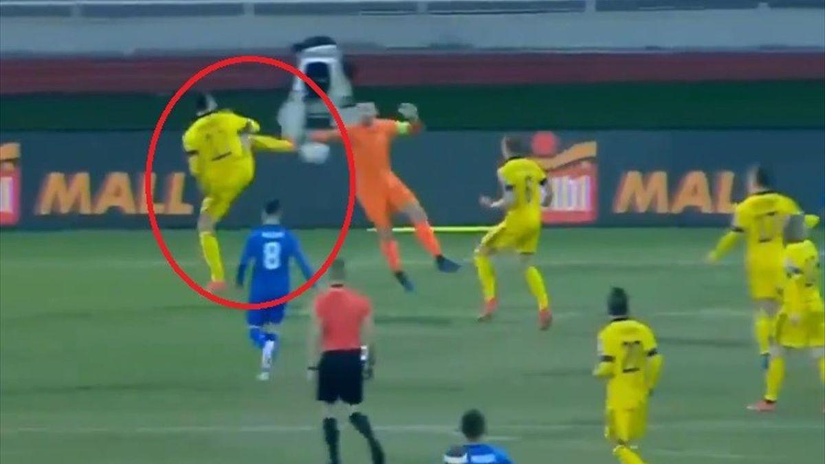 L'assist di tacco di Zlatan Ibrahimovic contro il Kosovo