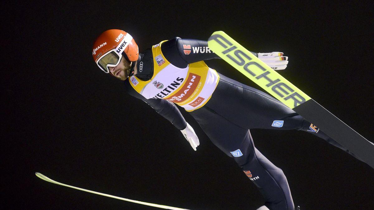 Markus Eisenbichler mit dem Gelben Trikot des Weltcupführenden