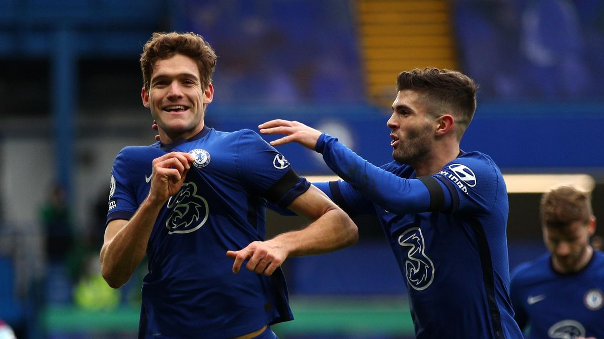 Marcos Alonso (L) and Christian Pulisic (R)