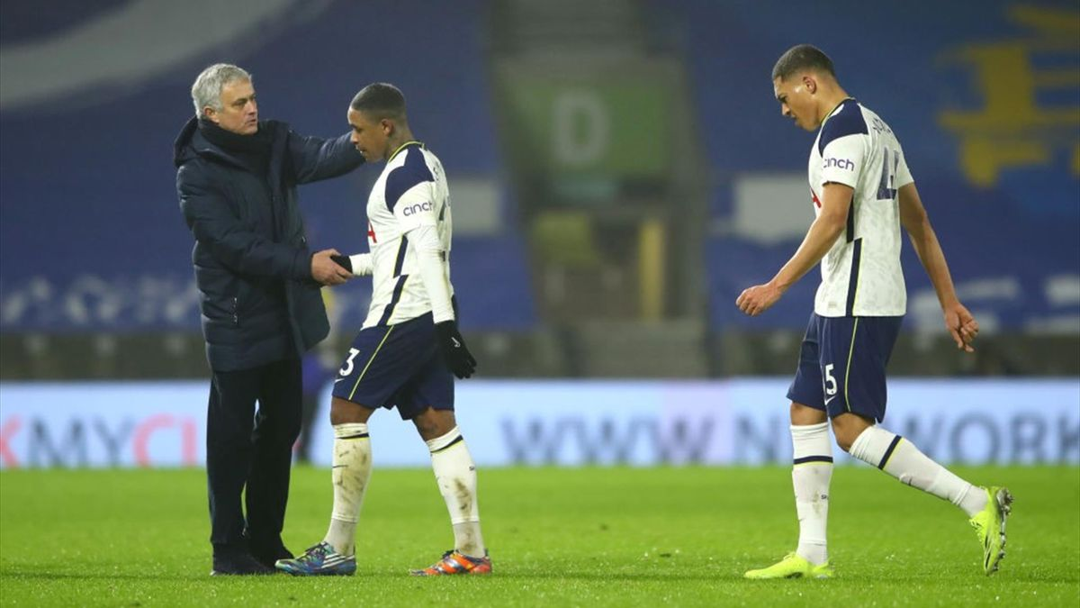 Jose Mourinho, Manager of Tottenham Hotspur embraces Steven Bergwijn of Tottenham Hotspur as team mate Carlos Vinicius looks dejected following the Premier League match between Brighton & Hove Albion and Tottenham Hotspur at American Express Community Sta